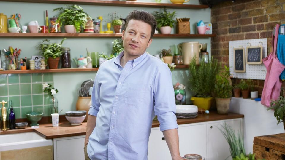 Kochshow jamie oliver  Jamie Oliver: Der 'Naked Chef' aus Großbritannien bekocht die Welt ...