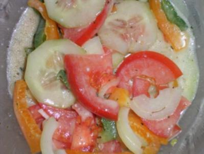 6 tomaten paprika gurken salat rezepte. Black Bedroom Furniture Sets. Home Design Ideas