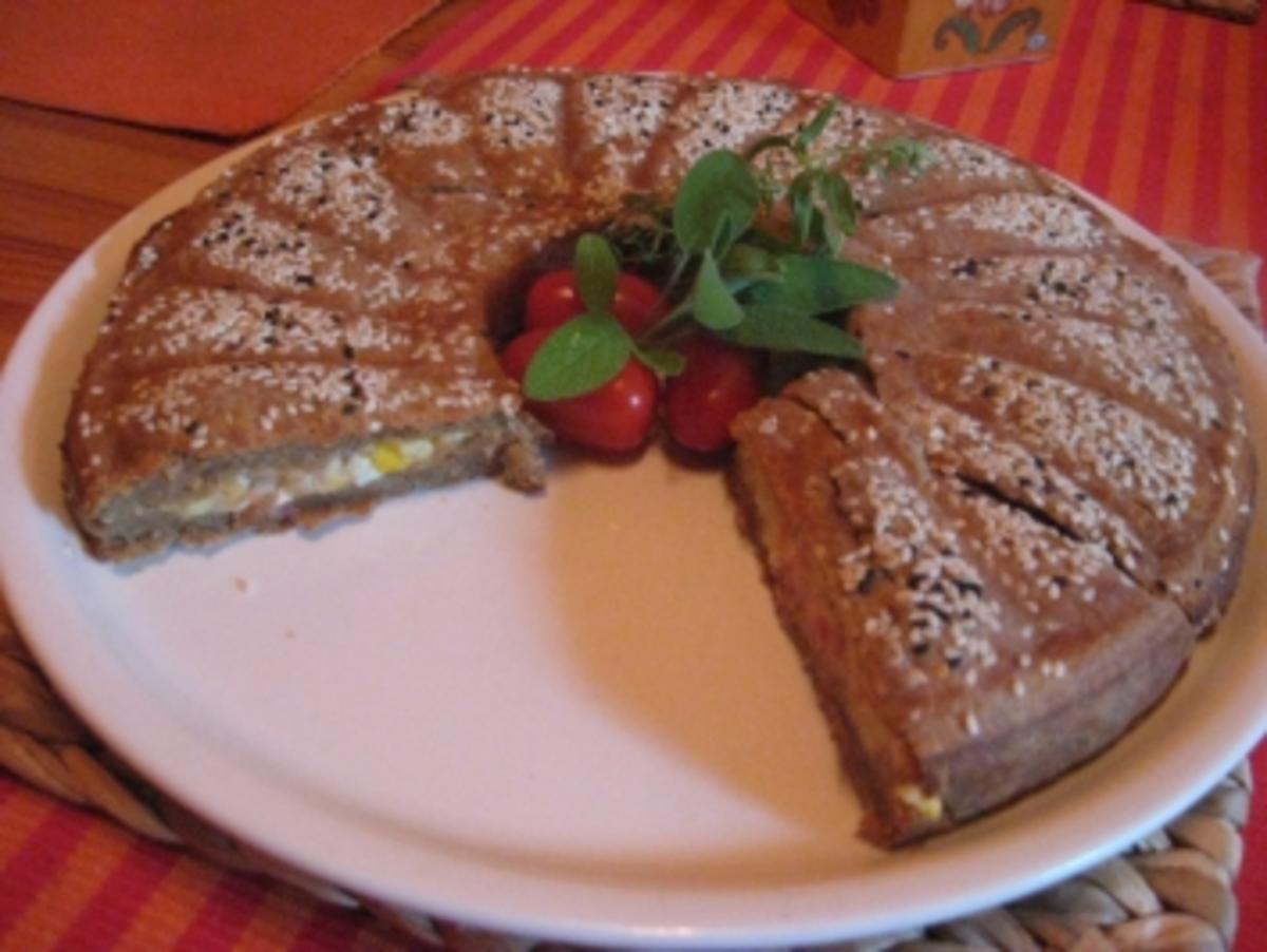 Blätterteig-Bauernbrot-Kuchen gefüllt - Rezept - kochbar.de