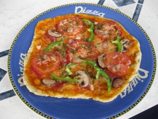 pizza auf stein gegrillt rezept mit bild. Black Bedroom Furniture Sets. Home Design Ideas