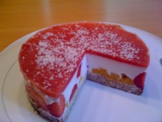 Kuchen mit erdbeeren und kokos