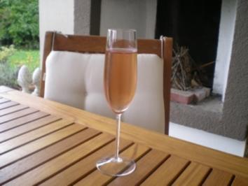 19 champagner cocktail rezepte. Black Bedroom Furniture Sets. Home Design Ideas