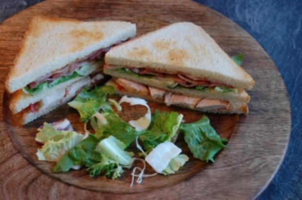 club sandwich rezept mit bild. Black Bedroom Furniture Sets. Home Design Ideas