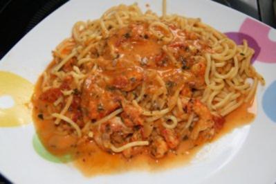 spaghetti mit getrockneten tomaten und zitronensauce rezepte. Black Bedroom Furniture Sets. Home Design Ideas