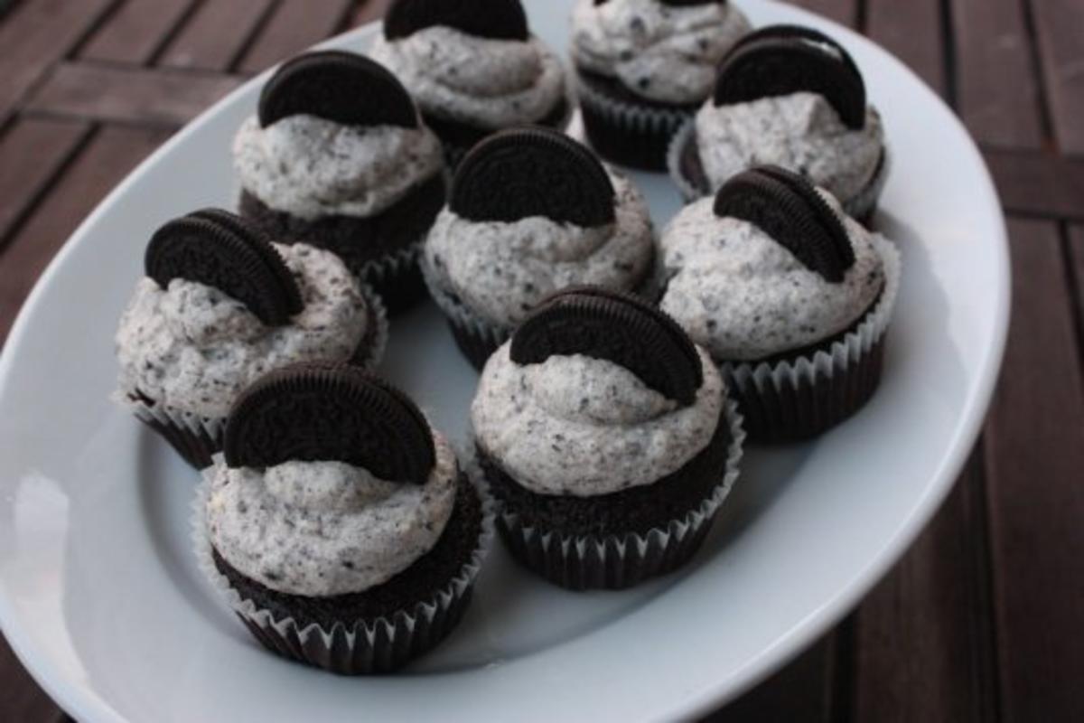 muffins mit oreo keksen rezept mit bild. Black Bedroom Furniture Sets. Home Design Ideas