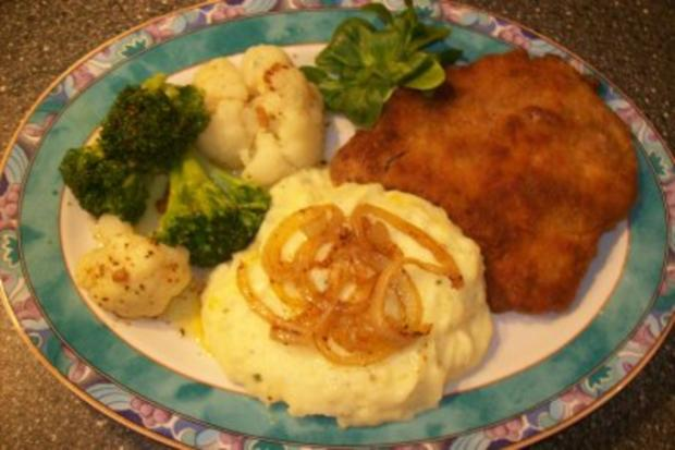 schnitzel mit kartoffelp ree u blumenkohl broccoli gem se rezept. Black Bedroom Furniture Sets. Home Design Ideas