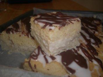 Kuchen mit vanillepudding und quark