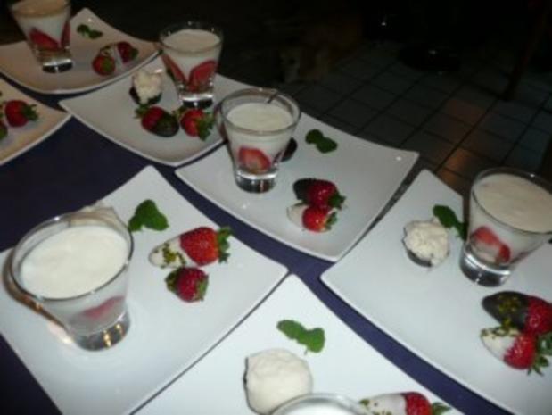 dessert erdbeer joghurt t rtchen rezept. Black Bedroom Furniture Sets. Home Design Ideas
