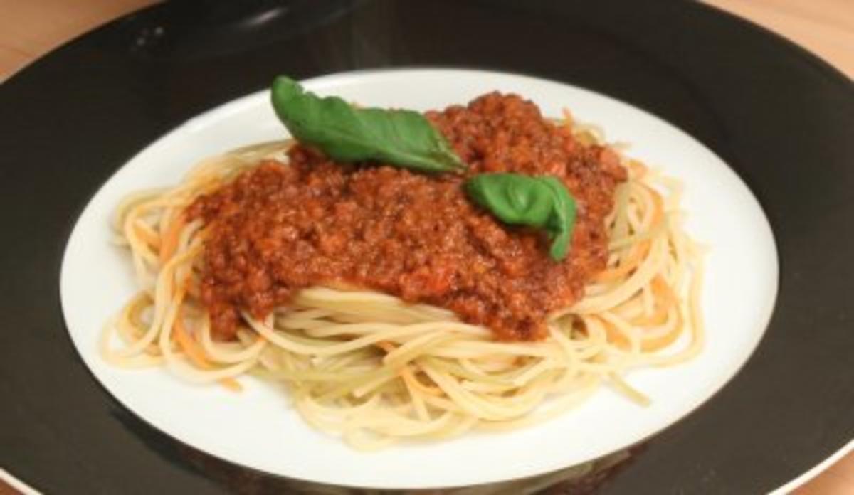 spaghetti bolognese sandy m lling rezept. Black Bedroom Furniture Sets. Home Design Ideas