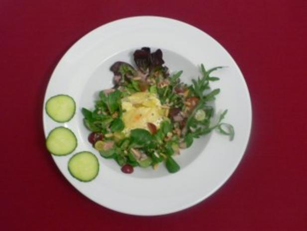 ziegenk se birnen kartoffel gratin und salat mit n ssen pinienkernen u weintrauben rezept. Black Bedroom Furniture Sets. Home Design Ideas