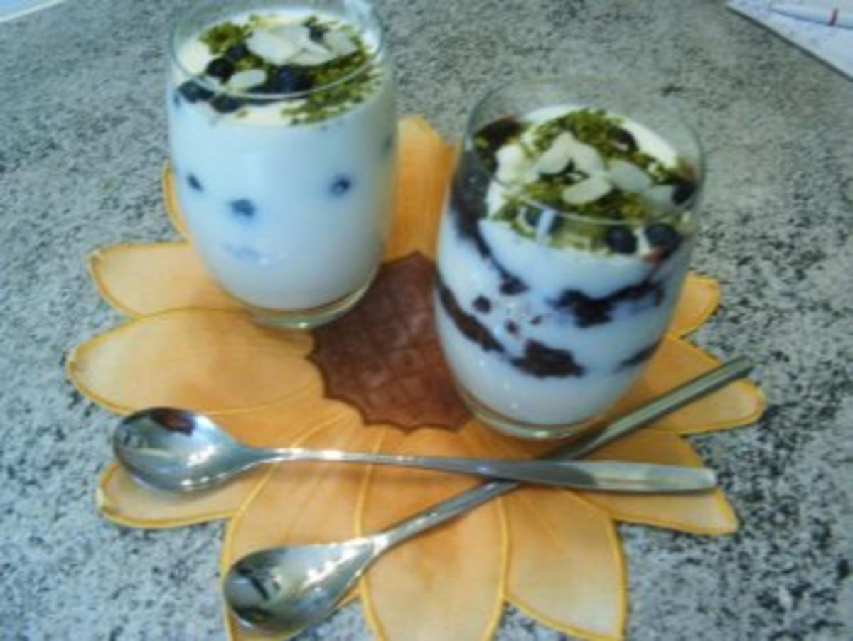 heidelbeer joghurt dessert rezept mit bild. Black Bedroom Furniture Sets. Home Design Ideas