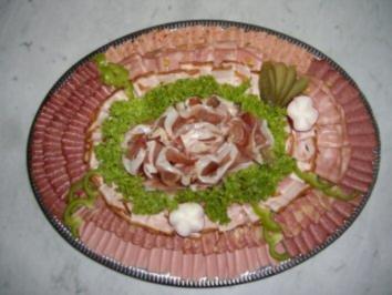 Wurstplatte mit extrawurst und wienerwurdt rezept mit bild - Wurstplatten dekorieren ...