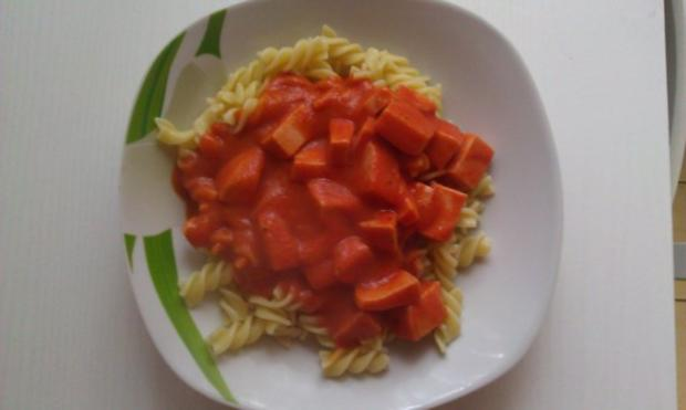 nudeln in fleischwurst tomatenso e rezept. Black Bedroom Furniture Sets. Home Design Ideas