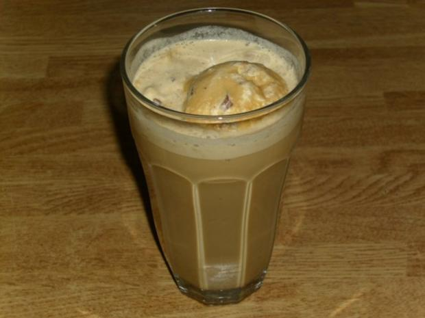 latte macchiato eiskaffee rezept mit bild. Black Bedroom Furniture Sets. Home Design Ideas