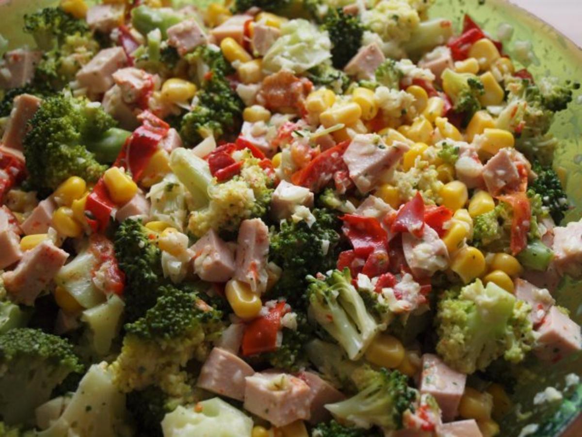salat brokkoli salat rezept mit bild. Black Bedroom Furniture Sets. Home Design Ideas