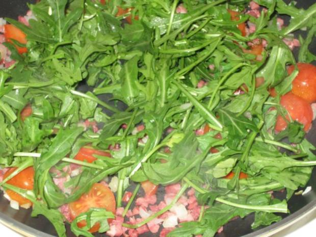 warmer rucola tomaten salat rezept mit bild. Black Bedroom Furniture Sets. Home Design Ideas