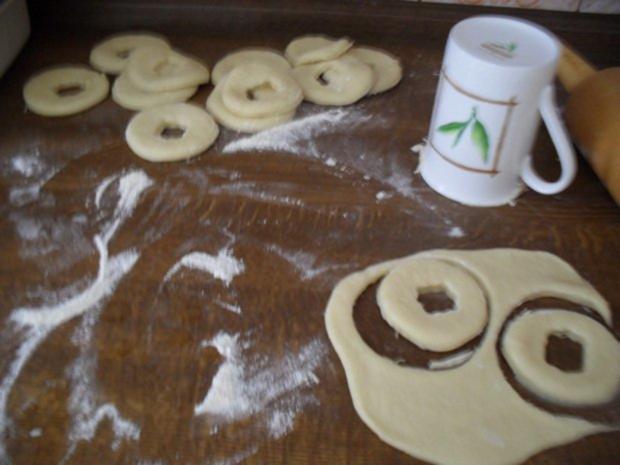 sahne quark donuts f r die schleckerm uler unter meinen kochfreunden rezept. Black Bedroom Furniture Sets. Home Design Ideas