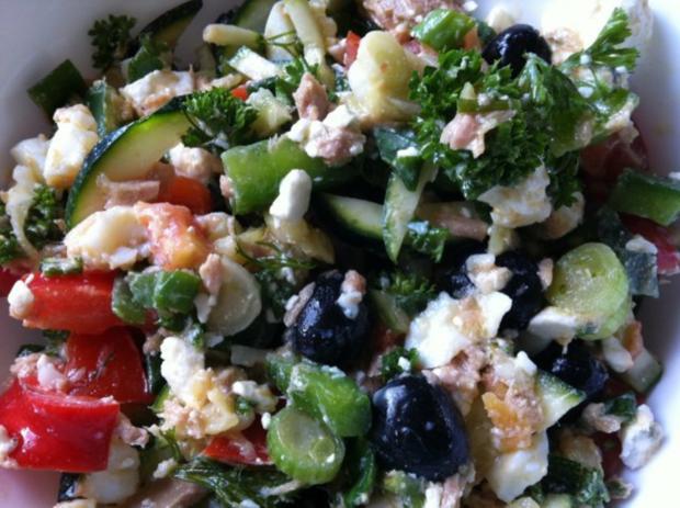 mediterraner salat rezept mit bild. Black Bedroom Furniture Sets. Home Design Ideas