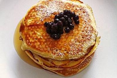 pancakes mit eier und naturjoghurt rezept mit bild. Black Bedroom Furniture Sets. Home Design Ideas