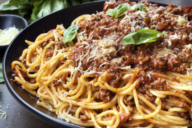 spaghetti bolognese rezept mit video. Black Bedroom Furniture Sets. Home Design Ideas