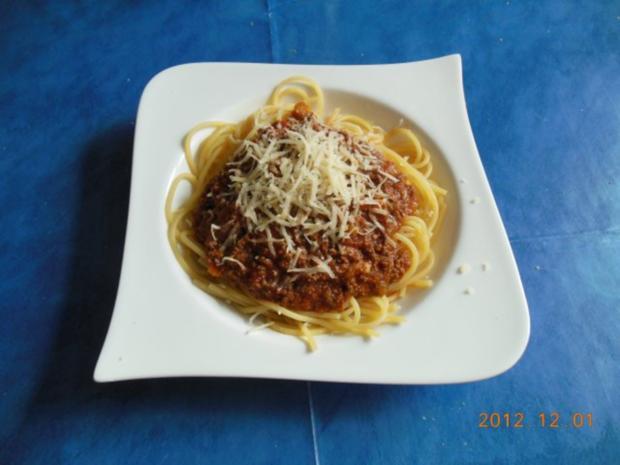 kochen spaghetti bolognese rezept mit bild. Black Bedroom Furniture Sets. Home Design Ideas
