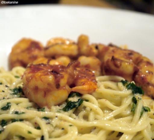 spaghetti mit knoblauchsauce und scharfen garnelen rezept. Black Bedroom Furniture Sets. Home Design Ideas