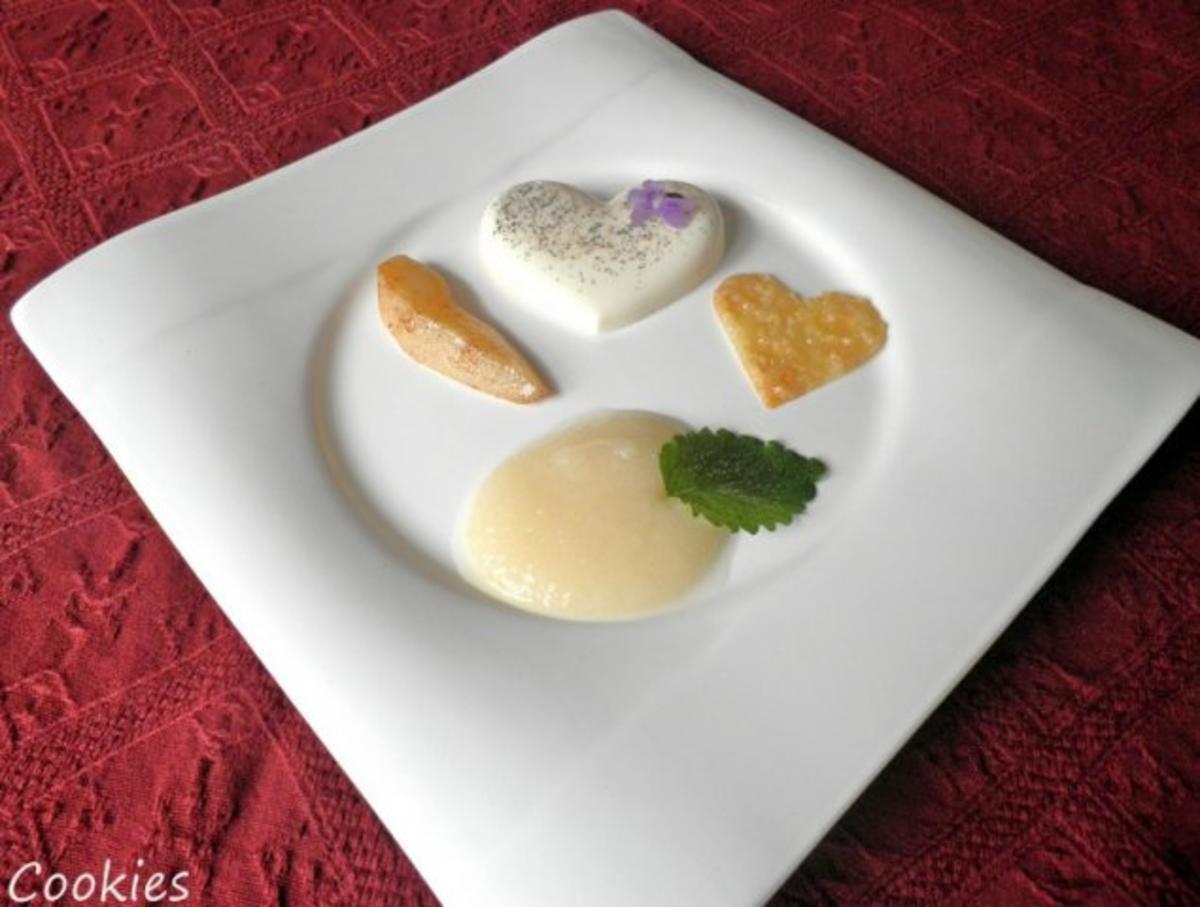 vanille sahne dessert mit p rierten prosecco birnen und mandel cracker rezept. Black Bedroom Furniture Sets. Home Design Ideas
