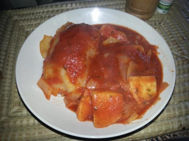kohlrouladen in einer tomatensauce mit kartoffeln rezept mit bild. Black Bedroom Furniture Sets. Home Design Ideas