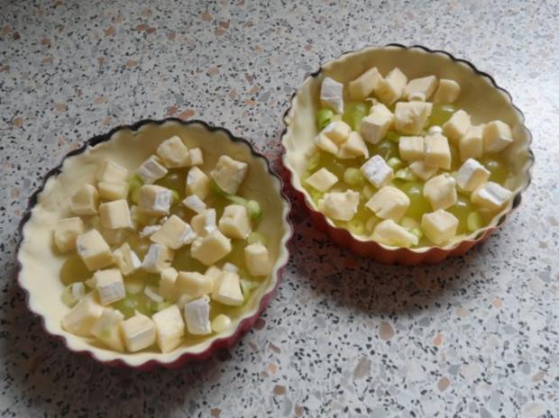 snack vorspeise herzhaft fruchtige k se weintrauben tartelettes rezept. Black Bedroom Furniture Sets. Home Design Ideas