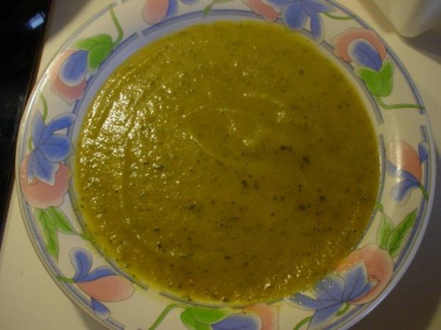 zucchini suppe rein vegetarisch rezept. Black Bedroom Furniture Sets. Home Design Ideas