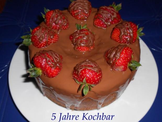 schokoladen nuss kuchen mit erdbeeren rezept. Black Bedroom Furniture Sets. Home Design Ideas