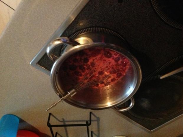 brombeeren sirup mit maulbeeren auch ohne maulbeeren m glich rezept. Black Bedroom Furniture Sets. Home Design Ideas