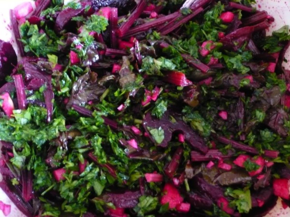 rote bete bl tter salat rezept mit bild. Black Bedroom Furniture Sets. Home Design Ideas