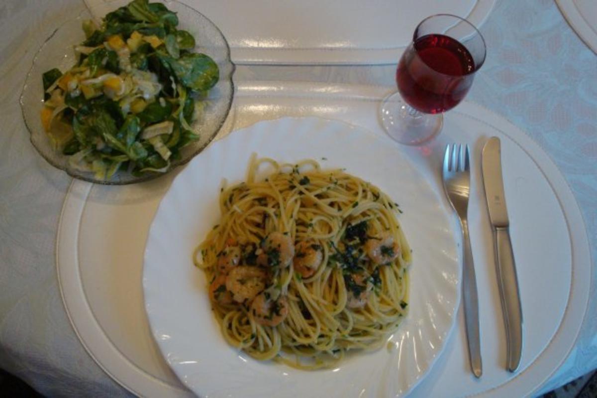 knoblauch spaghetti mit chili und garnelen rezept. Black Bedroom Furniture Sets. Home Design Ideas