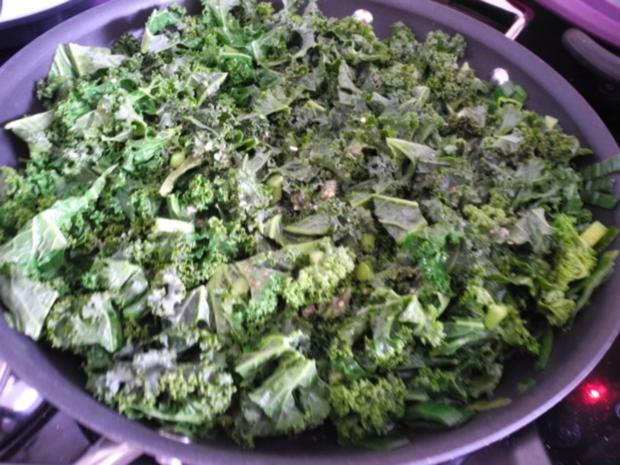 vegan zwiebel kartoffel salat mit porree gr nkohl rezept. Black Bedroom Furniture Sets. Home Design Ideas