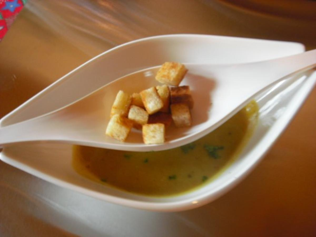 linsen kastanien suppe mit curry rezept. Black Bedroom Furniture Sets. Home Design Ideas