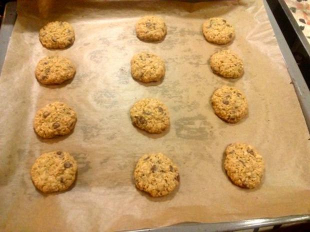 kernige walnuss schokoladen cookies rezept. Black Bedroom Furniture Sets. Home Design Ideas
