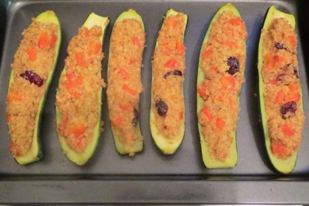 Kochen gef llte zucchini mit bulgur und ziegenk se for Kochen zucchini