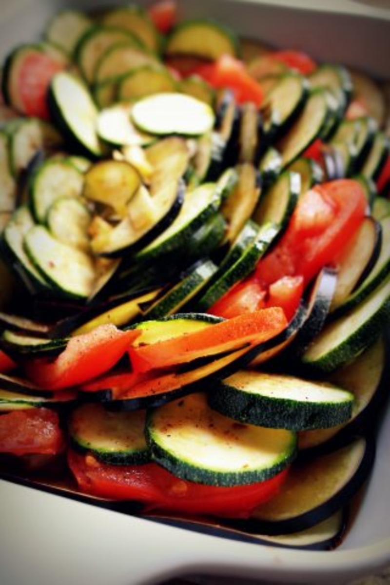 beilage ratatouille auflauf mit k se berbacken vegetarisch mediterran rezept. Black Bedroom Furniture Sets. Home Design Ideas