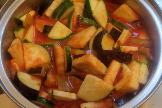 Kochen orientalische gem sesauce zu nudeln rezept for Kochen 5 personen