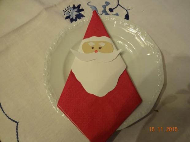 weihnachtsservietten mit wei en karton und beigen karton rezept mit bild. Black Bedroom Furniture Sets. Home Design Ideas