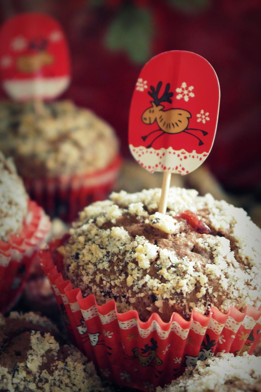 weihnachtliche lebkuchen preiselbeer muffins mit dem. Black Bedroom Furniture Sets. Home Design Ideas