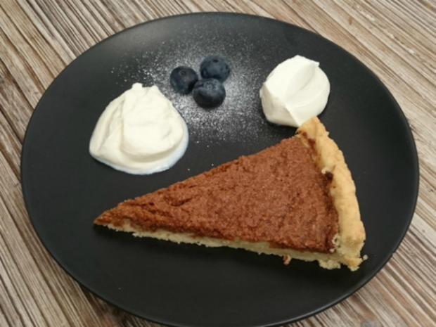 treacle tart with clotted cream rezept. Black Bedroom Furniture Sets. Home Design Ideas