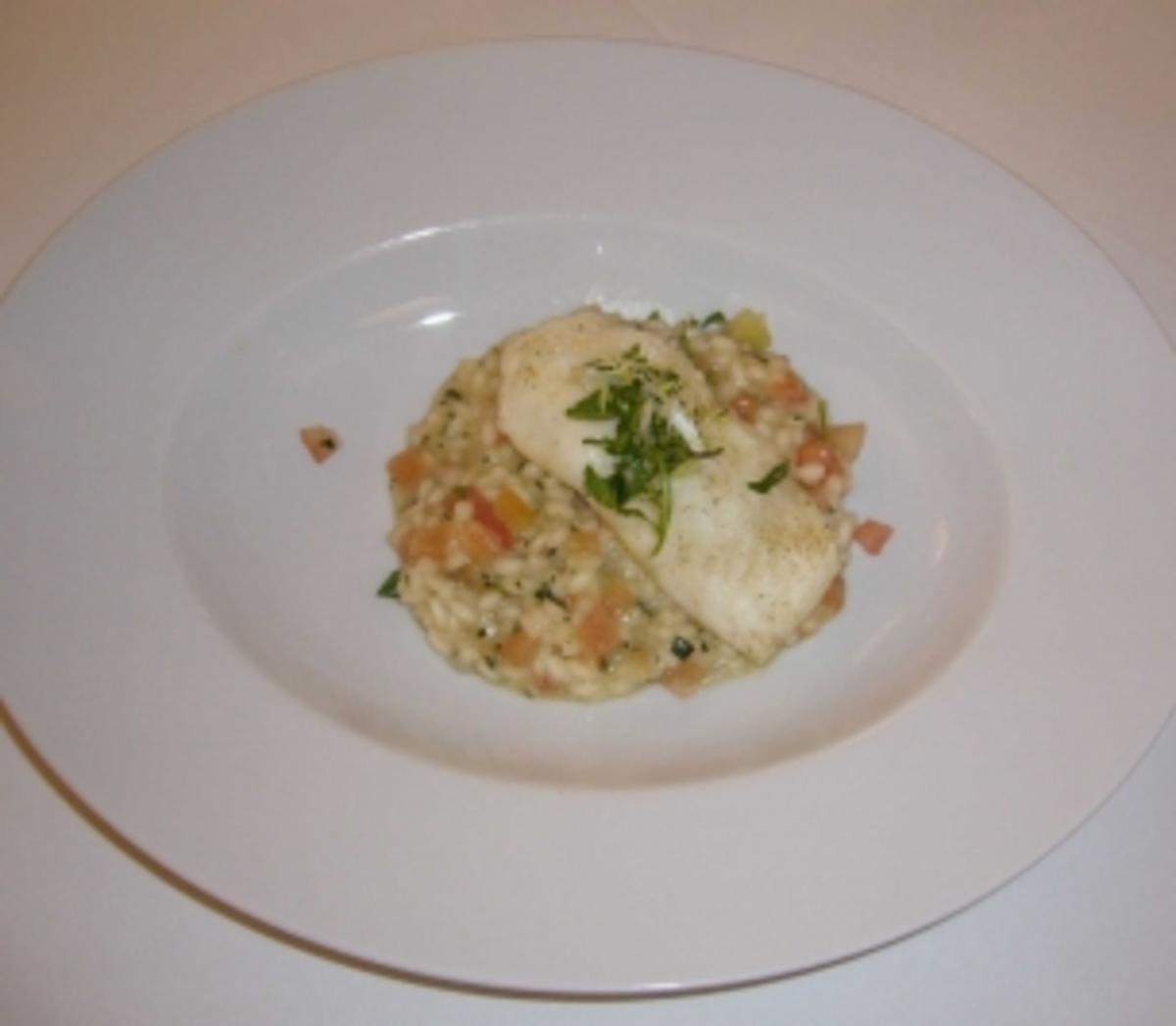 tomaten basilikum risotto mit gebratenem steinbutt rezept. Black Bedroom Furniture Sets. Home Design Ideas