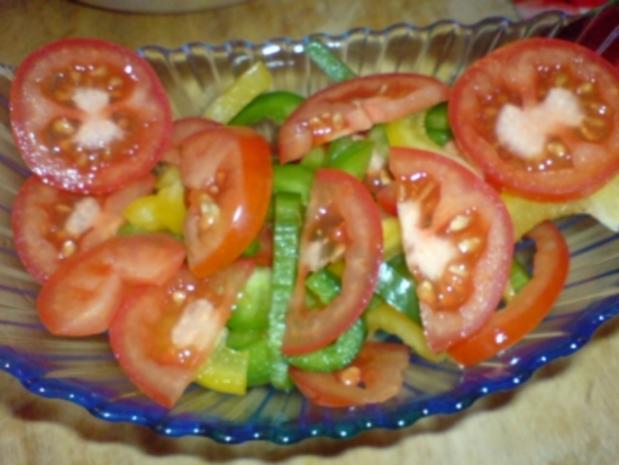 paprika tomaten salat rezept mit bild. Black Bedroom Furniture Sets. Home Design Ideas
