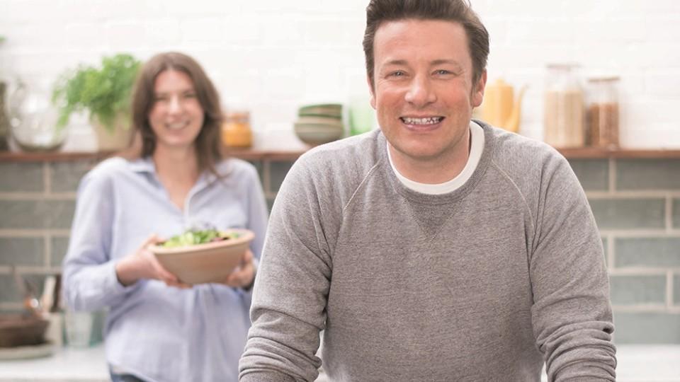 Leichte Sommerküche Jamie Oliver : Genial gesund jamie oliver verwandelt rezept klassiker in