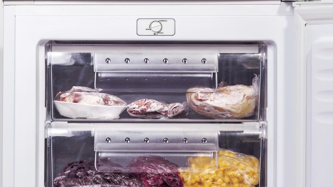 Gefrierfach abtauen So wird die Kühltruhe in kurzer Zeit  ~ Kühlschrank Vereist Schnell