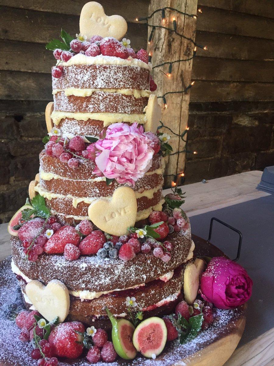Naked Cakes Diese Torten Kommen Ohne Fondant Oder Kuverture Aus