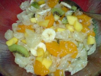 Obstsalat aus Südfrüchten mit Vanillejoghurt - Rezept