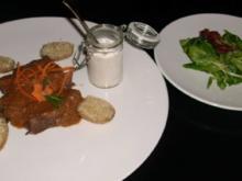 Lamm zum Löffeln an Nussjoghurt, dazu Feldsalat mit Himbeerdressing - Rezept
